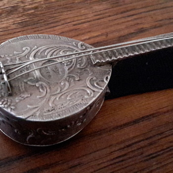 800 silver? Mandolin pill/trinket box - Sterling Silver