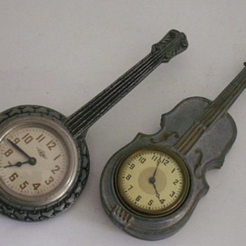 Banjo &amp; Violin Novelty Clocks - Clocks