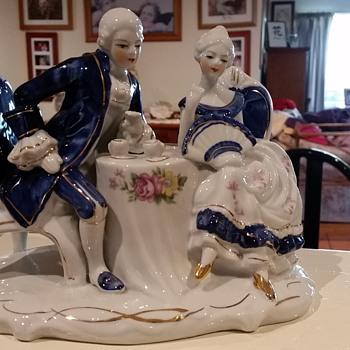 Victoriana Figurine / Statue