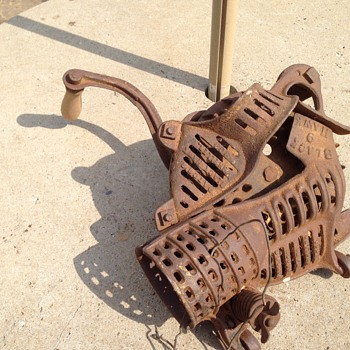 Corn sheller ? - Tools and Hardware