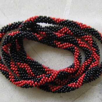 Crocheted flapper beads
