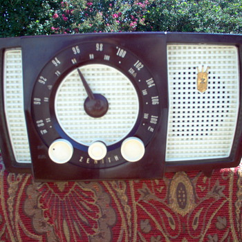 ZENITH MODEL H-725 - Radios