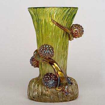 Loetz Ausführung 81 - Art Glass