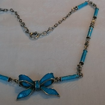 Enamel and silver necklace most likely from 1920's to 1930's a mix of romantic and art deco