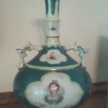 Green/white vase w/ portrait - China and Dinnerware