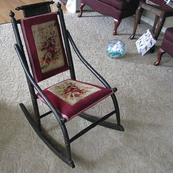 G-G-Grandmoms chair