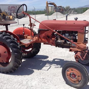 1948 IH Cub - Tractors