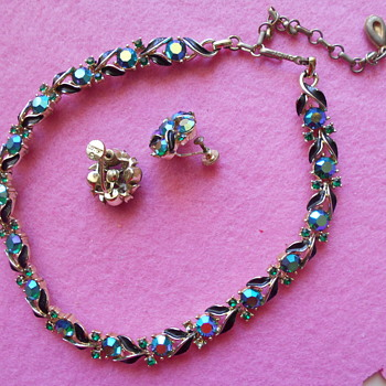 Vintage Lisner choker and earrings - Costume Jewelry