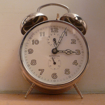 Vintage French 1960's-1970's classic double bell JAZ alarm clock.