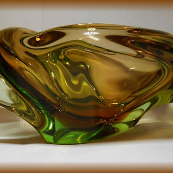 SKRDLOVICE -- Art Glass Ashtray ?? - Art Glass