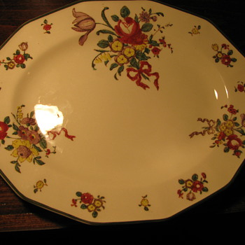Royal Doulton 10 inch Dinner Plate Around 1912 - China and Dinnerware