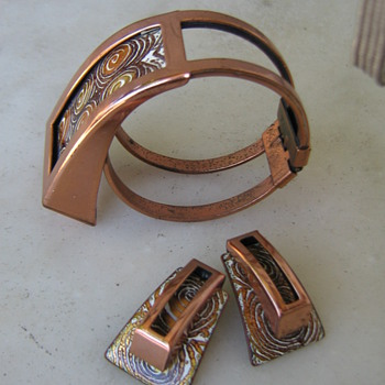 1950's Matisse-Renoir enamel bracelet & earrings - Costume Jewelry