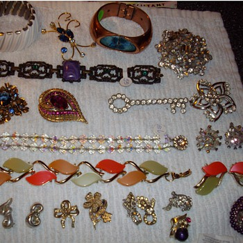Tuesdays finds! - Costume Jewelry