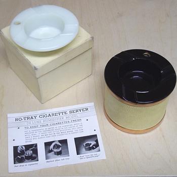 Ro-Tray Cigarette Server ashtray - Tobacciana