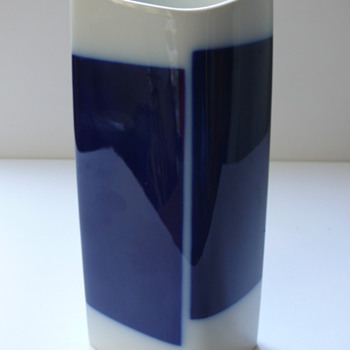 "KPM Berlin ""Rhombus"" 1963 - Art Pottery"