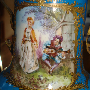 French porcelain urn hand painted wonderful cartouche - Pottery