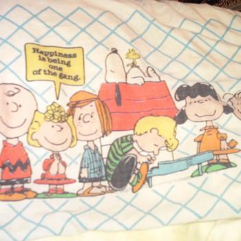 Peanuts pillowcase and sheets