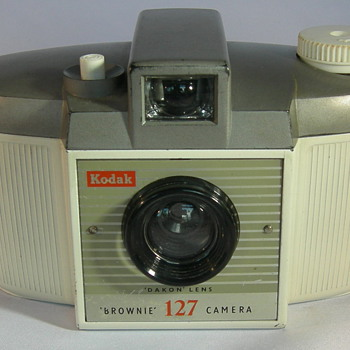 Brownie 127 Albino - Cameras
