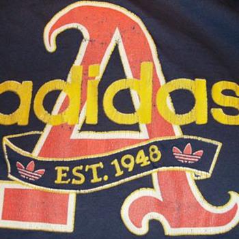 Vintage -- ADIDAS T-Shirt - Mens Clothing