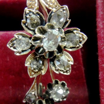 Victorian Pink Rose Gold  (14K) rose cut diamond Flower Brooch