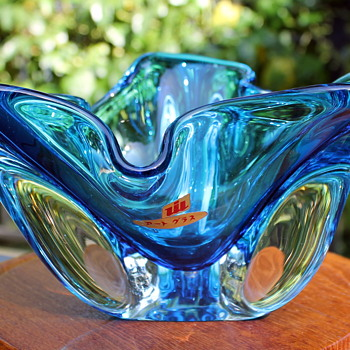 Some nice little bowls from Iwatsu Hineri - Art Glass
