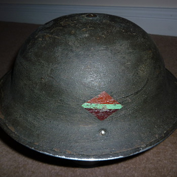 Brtish WW11 helmet - Military and Wartime