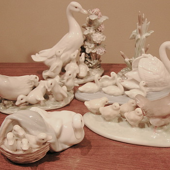 Lladro mommies with babies. Happy Mother's Day! - Art Pottery