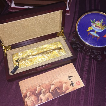 Chinese pen and cloisonné plate