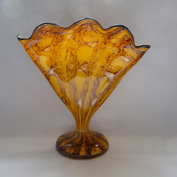 Welz Art Deco Fan Vase - Art Glass