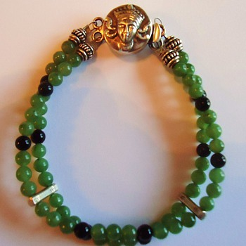 925 bracelet, Jade and Onyx, MYSTERY Where made and whose face is on this?  Maybe Burma?