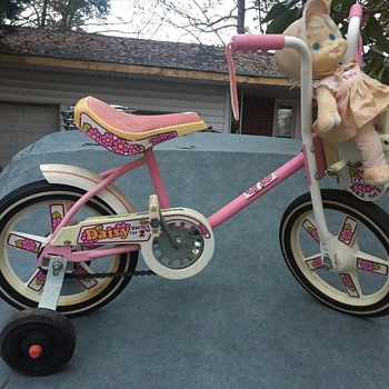Girls roadmaster bike for 2