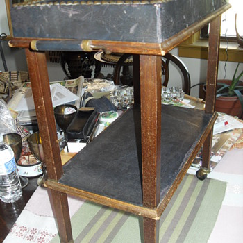 EARLY 20th CENTURY SALESMAN SAMPLE (SERVING CART)
