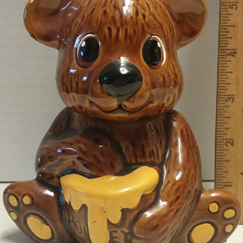 Tiny Bear Honey Pot