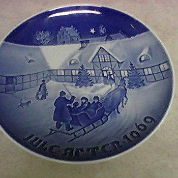 COPENHAGEN 1969/1970/1971 CHRISTMAS PLATES