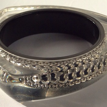 Unusual bangle