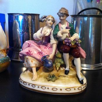 """""""Chelsea"""" Style Figurines - Figurines"""