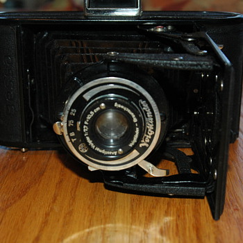 Voigtlander-Braunschweig folding camera w/Anastigmat Viogtar lens 1:7,7