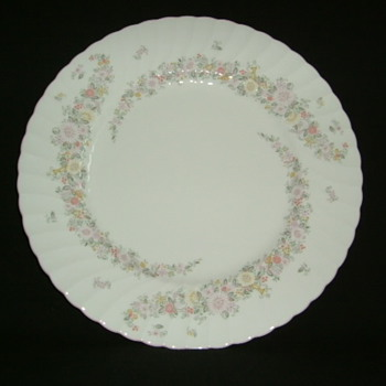 Japanese Narumi Bone China Cake Plate - China and Dinnerware