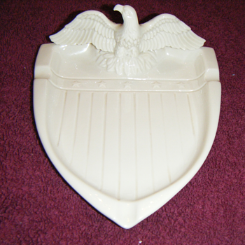 Gladding McBean ashtray - Art Pottery