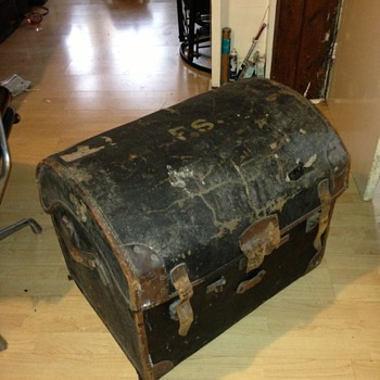 old trunk I got from the dump - Furniture