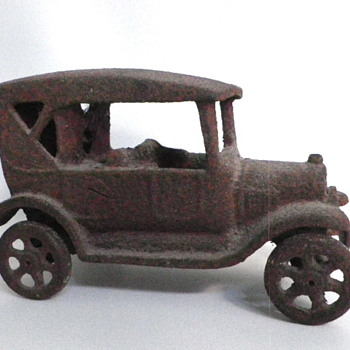 Cast Iron Car (Hubley ?)