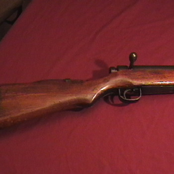 WW II Japanese Type 99 Rifle with Bayonet