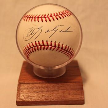 1989 Hall of Fame Carl Yastrzemski Autographed Baseball - Baseball