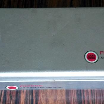 200/20 cigarette case Lucky Strike - Tobacciana