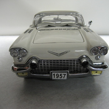 1957 Cadillac Eldorado Broughm Die-cast