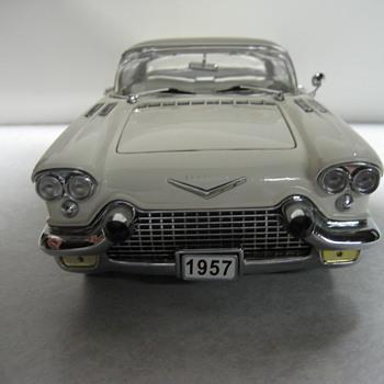 1957 Cadillac Eldorado Broughm Die-cast