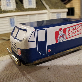 Japanese Tin Humpty Dunpty Chips Van