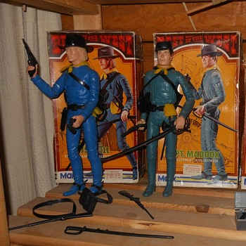 Johnny West Maddox and Custer BOTW Boxes - Toys