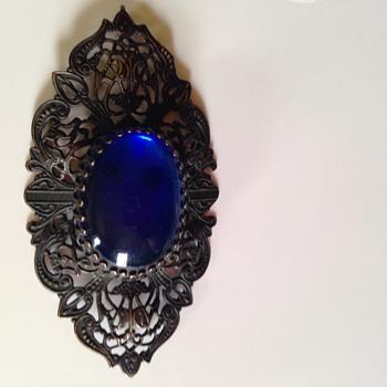 Beautiful mystery piece  - Costume Jewelry