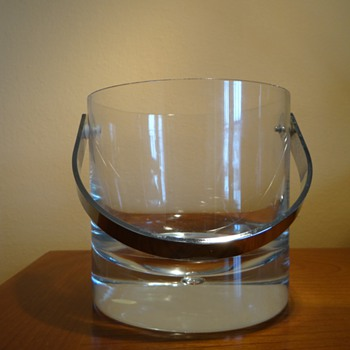 THANKYOU AMBERROSE FOR THE BEAUTIFUL GIFT - KOSTA BODA ICE BUCKET  - Art Glass